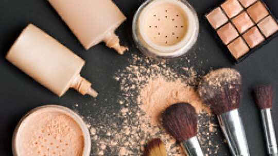Quick Tips: What Makeup Does to Your Skin