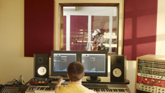 How Pro Tools Software and Hardware Works