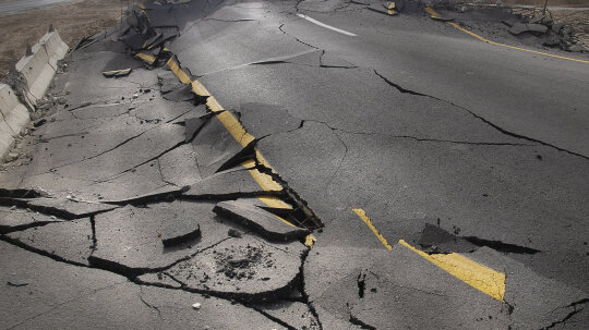 How can rocks predict earthquakes?