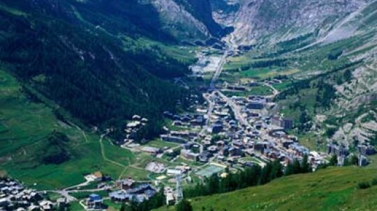 Ultimate Guide to the Savoie Wine Region