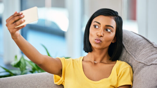 People Want to Go Under the Knife to Look Like Their Snapchat Selfies
