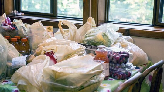 Use the 'Sterile Technique' to Safely Unpack Your Groceries