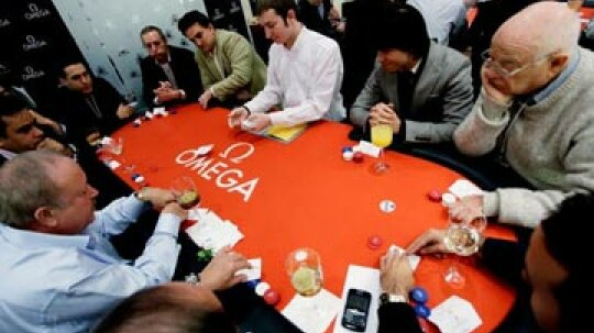 How to Host a Texas Hold 'Em Poker Tournament