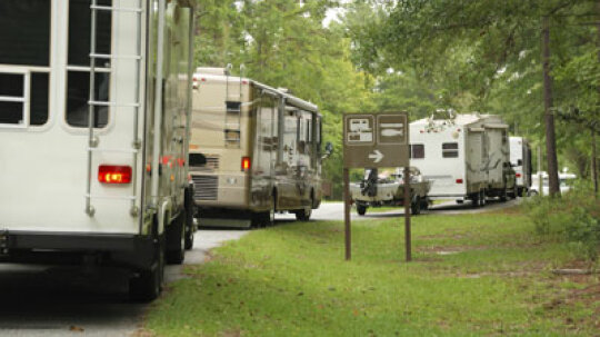 Advantages and Disadvantages of RV Towing