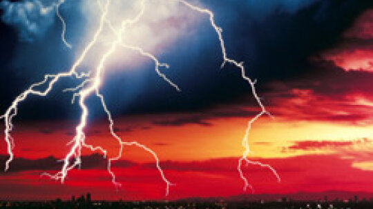 5 Tips for Thunderstorm Safety