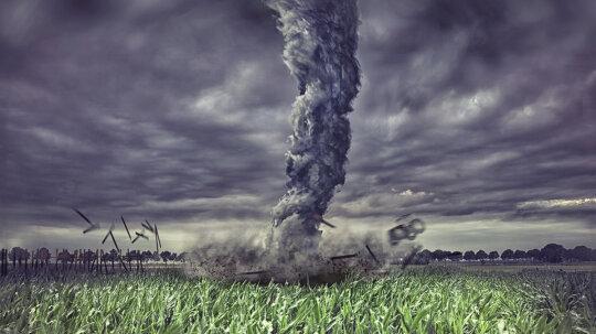 10 Myths About Surviving a Tornado
