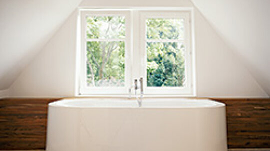 How To Keep Your Bathtub Clean With Little Effort