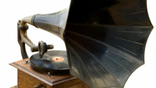 Are Turntables Becoming Popular Again?