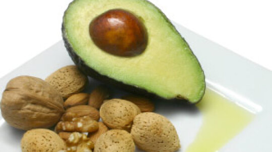 How does vitamin E benefit skin?