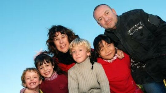 How to Volunteer for Being a Foster Parent