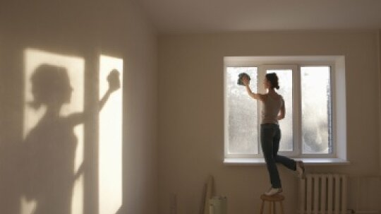 10 Window Cleaning Tips for Apartment Dwellers