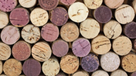 5 Wine CorkCrafts for Happy Hour With Girlfriends