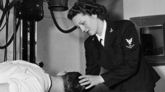 Did women volunteers serve in World War II?