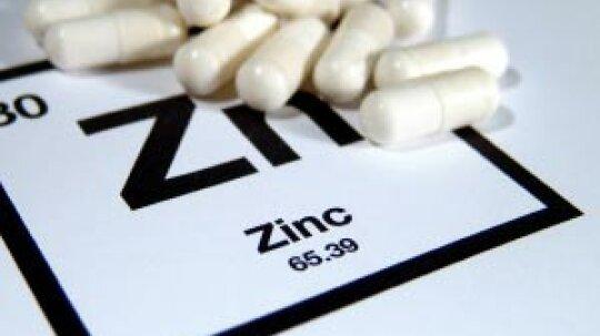How does zinc benefit skin?
