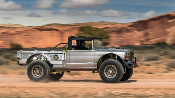 Jeep Celebrates the Gladiator at Easter Jeep Safari