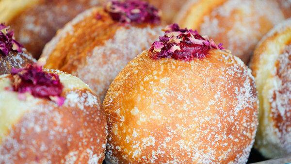 It's Fat Tuesday! Eat a Polish Pączki