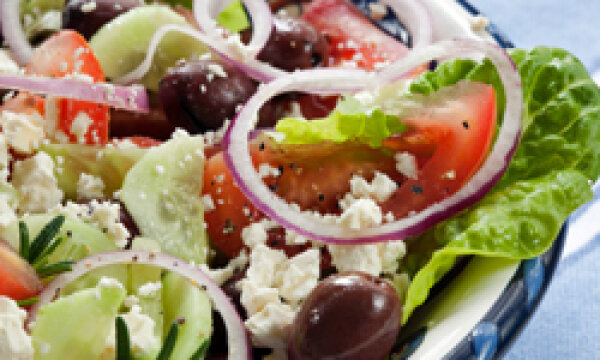 Throw It In a Salad! 5 Salad Recipes That Save You Money