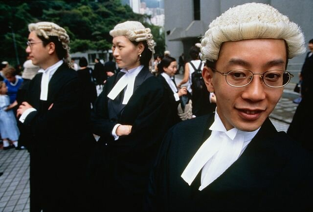 Why Do British Lawyers Still Wear Wigs? |