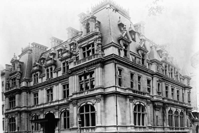 The Astor estate at 840 Fifth Ave. It was built between 1891 and 1896. © CORBIS
