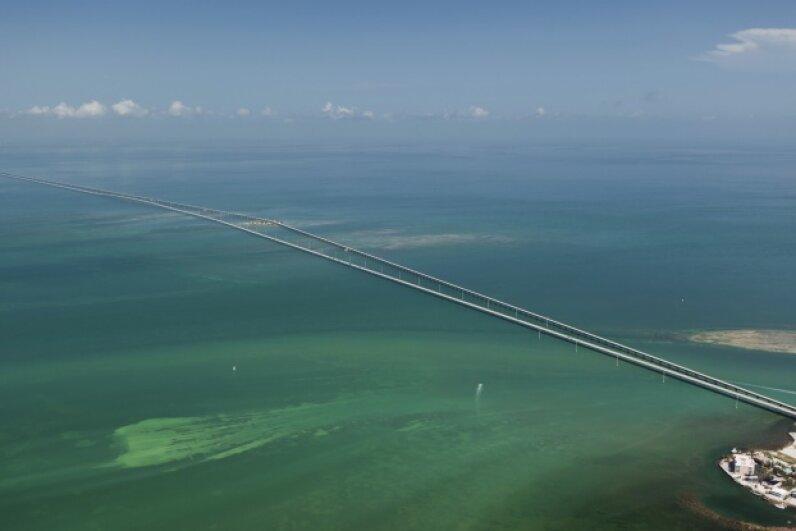 The Seven MileBridge in the Florida Keys Tinik/iStock/Thinkstock
