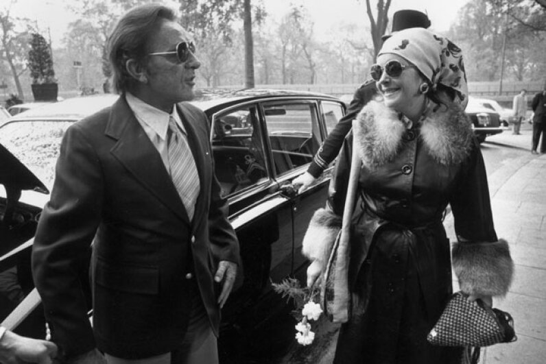 Richard Burton and Elizabeth Taylor in London in 1975. Evening Standard/Hulton Archive/Getty Images