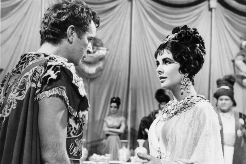 The couple described on the previous page fell in love while portraying Antony and Cleopatra. Moviepix/Getty Images