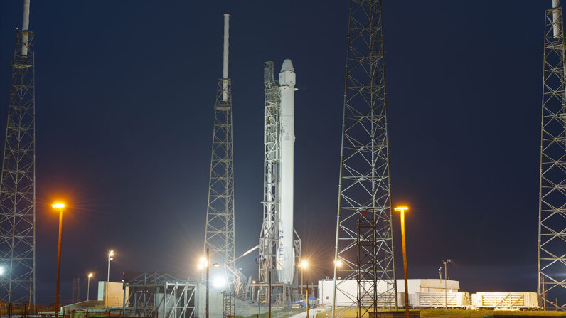 SpaceX launch Falcon 9 rocket