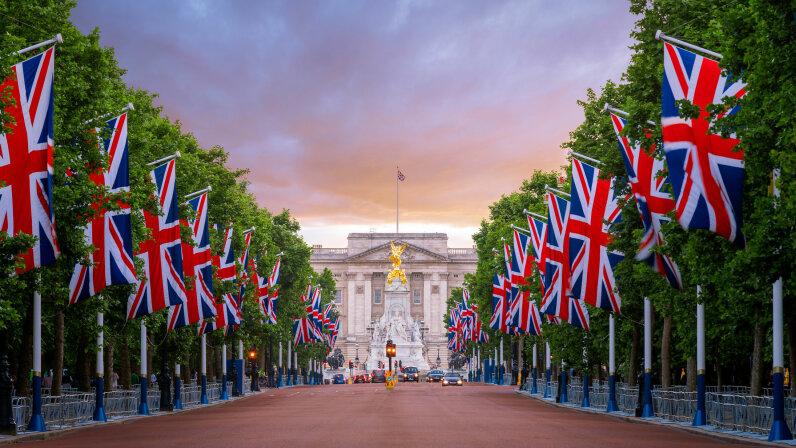 Union Jacks, Buckingham Palace, The Mall,