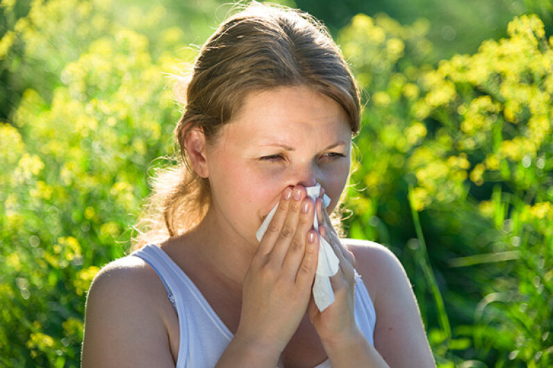 The antihistamine in many allergy medicines have been associated with weight gain. andreusK/iStock/Thinkstock