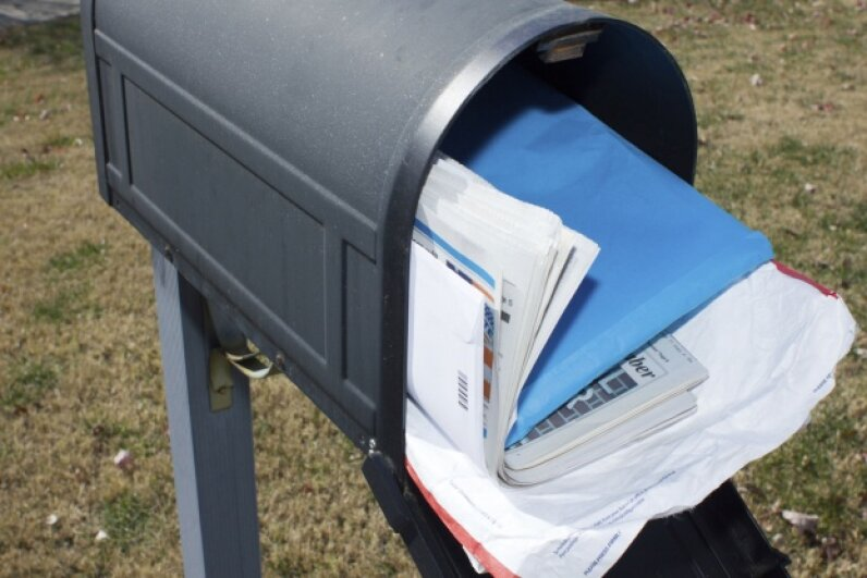 Leaving mail to accumulate in your box makes you an easy target. ©iStock/Thinkstock