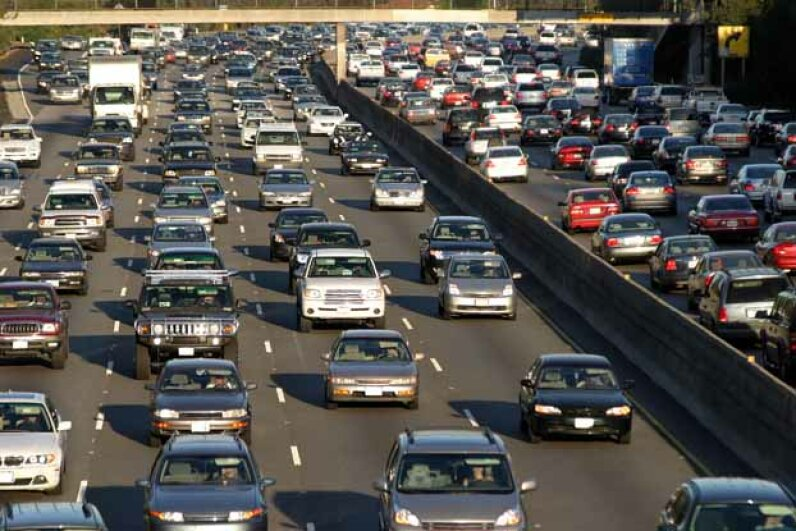 You might think your long commute gives you less time to be politically engaged but experts think it's the stress that is the real problem. iStock/Thinkstock