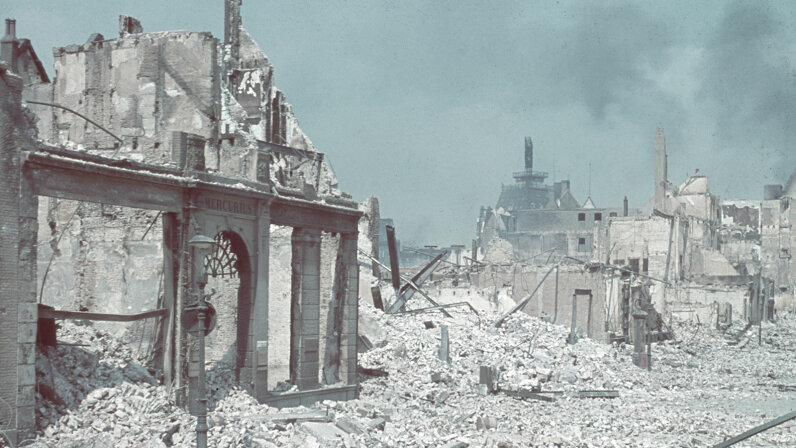 Rotterdam in ruins