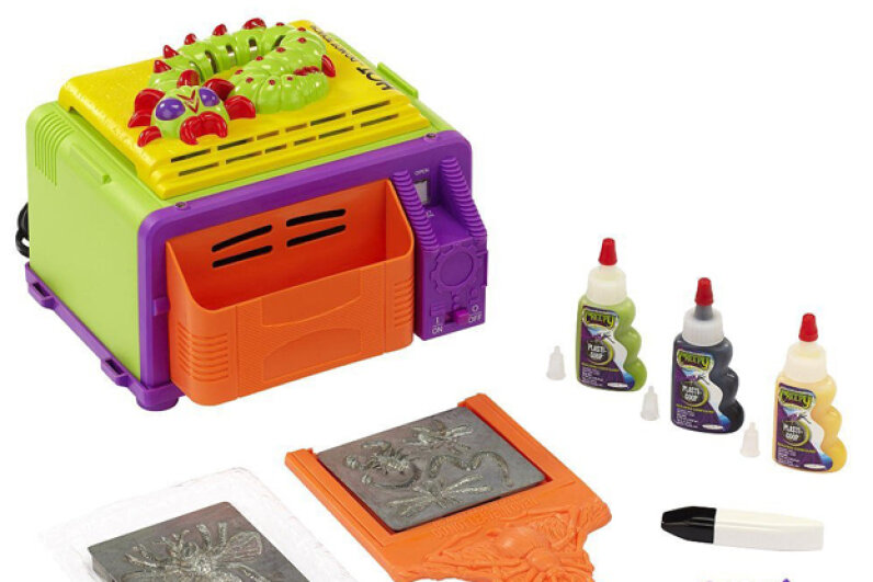 The current iteration of Creepy Crawlers features an oven that can't be opened until it is completely cool -- eliminating the possibility of burned fingers. Amazon