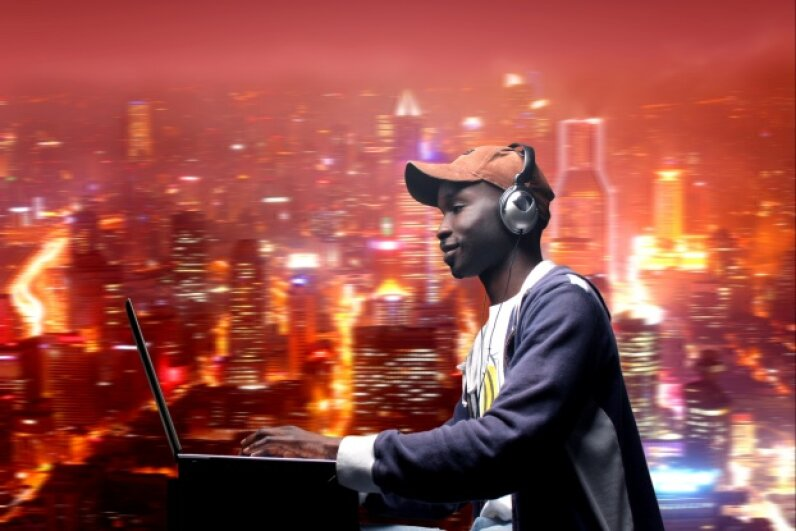 Streaming music services help millions of people get their jam on wherever they are. Hemera/Thinkstock