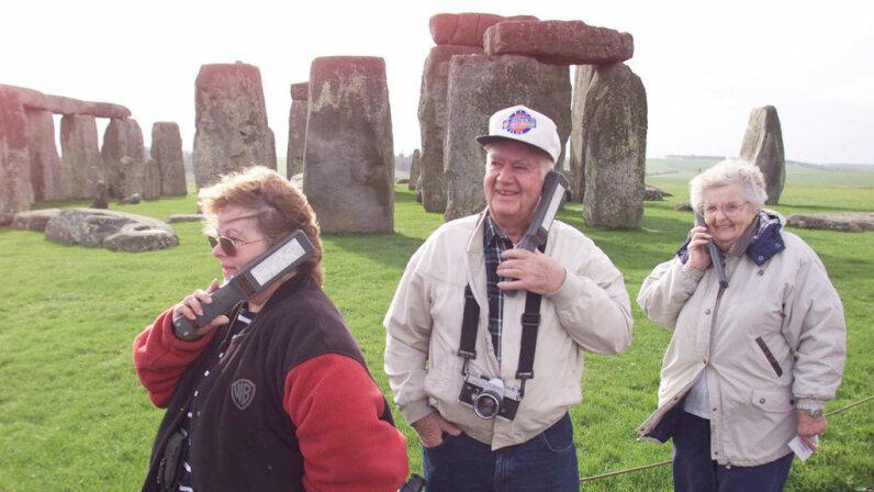 American tourists, Stonehenge