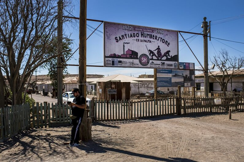 Humberstone saltpeter sign