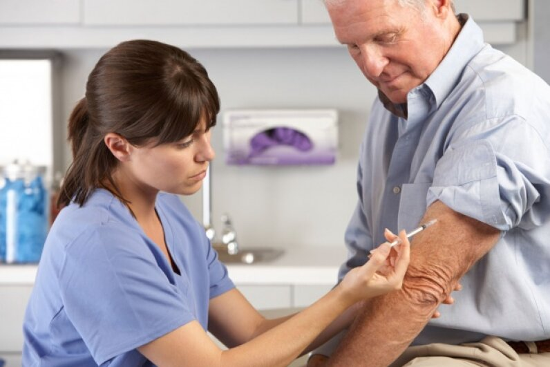 Do NOT go to the ER for your flu shot. © Catherine Yeulet/Thinkstock