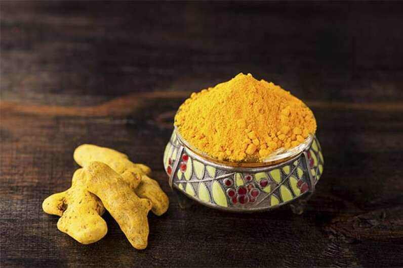 Turmeric is terriffic for wound healing. rozmarina/iStock/Thinkstock
