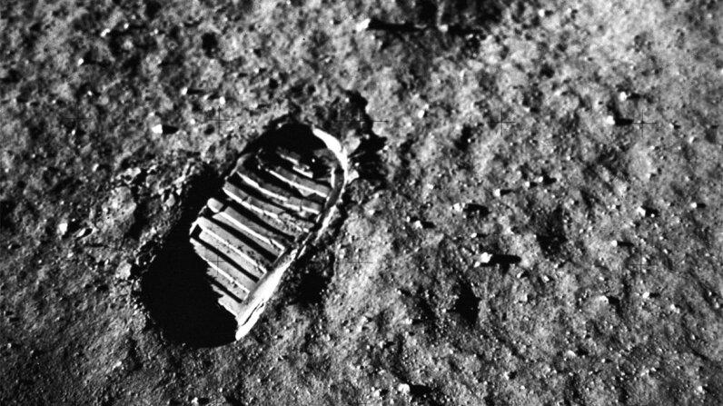 footprint, moon