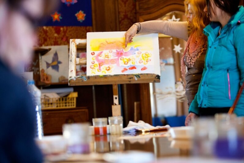 Art therapy in use in a psychiatric day care center in Haute Savoie, France. © AMELIE-BENOIST/BSIP/BSIP/Corbis