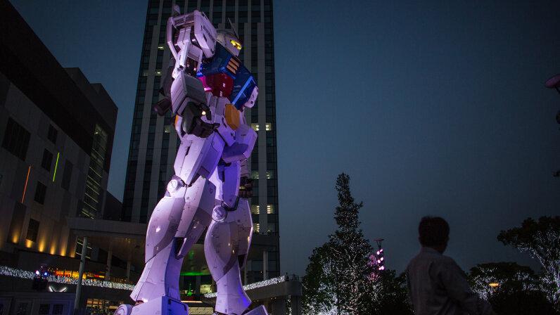 Gundam statue in Tokyo