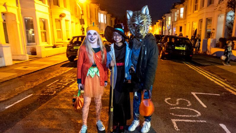 Halloween costume, England