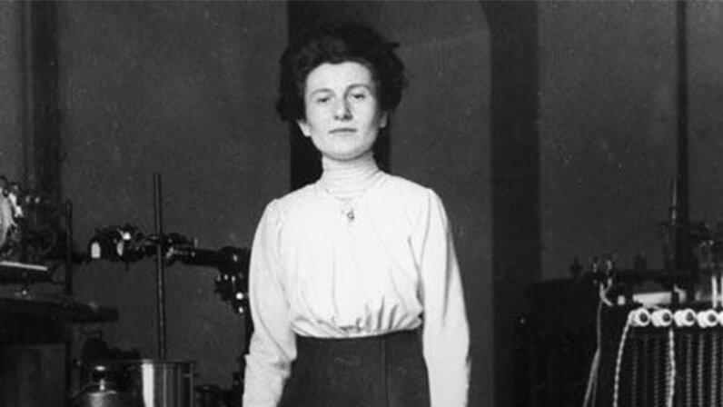 Hedwig Kohn , physics