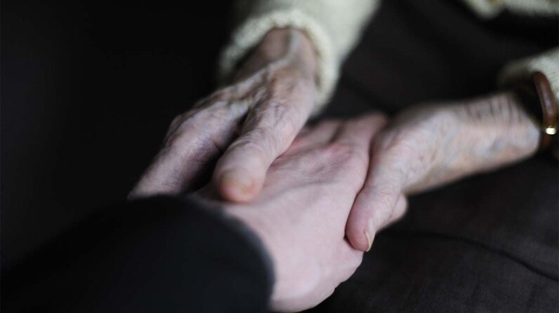 holding hands, pain