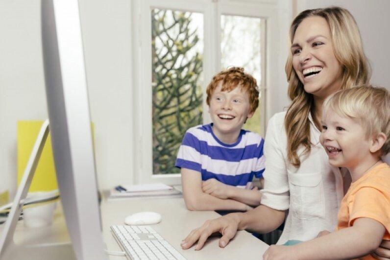 Look kids, isn't that child tax credit great?! © Mareen Fischinger/Westend61/Corbis