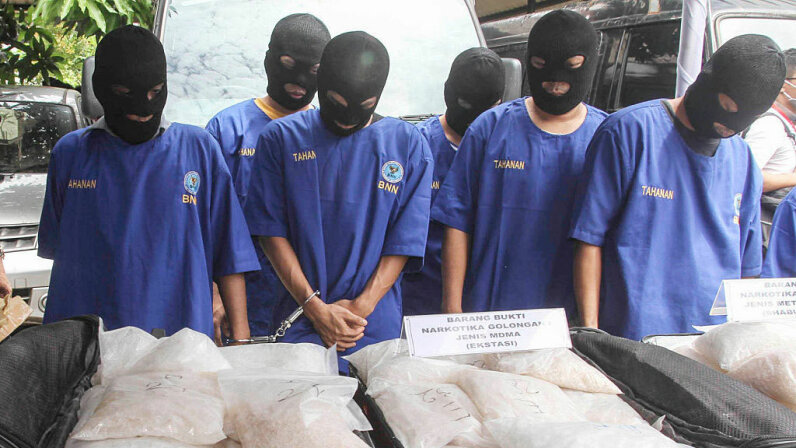 Indonesia, meth dealers