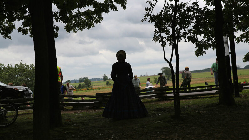 woman civil war re-enactor
