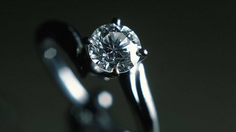 Selling Diamonds to People Who Arent Getting Married Lead image: Minerva,Chris/Getty Images, Video: BrainStuff
