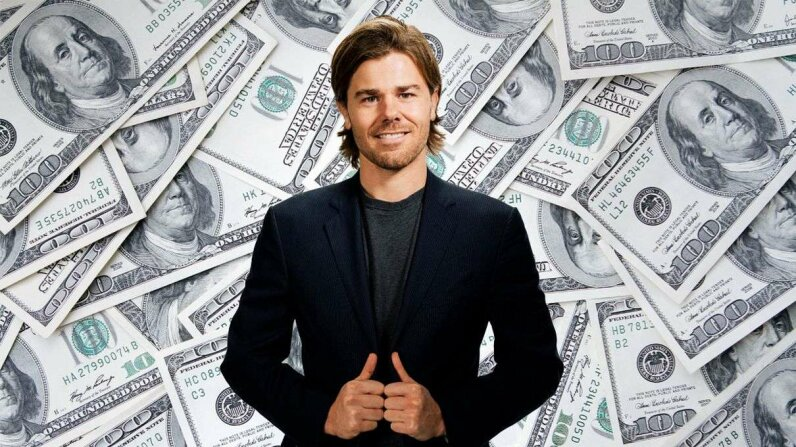 Dan Price, the CEO of Gravity Payments thought he was doing a good thing when he raised the starting salary of his employees to $70.000. But not all his staff agreed. Wikicommons/Bzzz/ThinkStock  2015 HowStuffWorks, a division of Infospace LLC