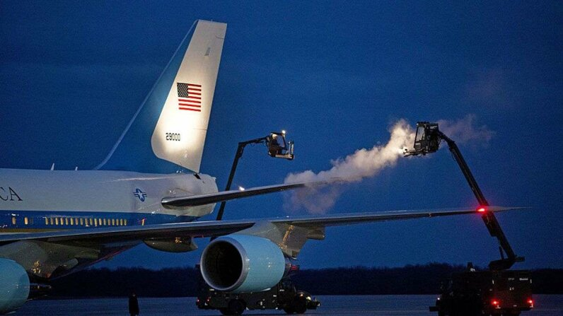 Air Force One undergoes a deicing procedure at Joint Base Andrews outside of Washington, D.C. One day, this could be a thing of the past, thanks to SLUGs. Martin H. Simon-Pool/Getty Images